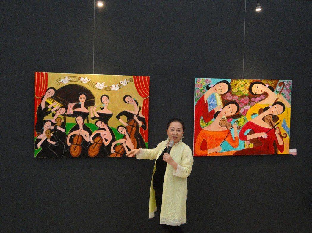 嘉義縣長張花冠為明年台灣燈會募款開畫展,獻出70幅油畫義賣,作品主要畫家鄉人、物...