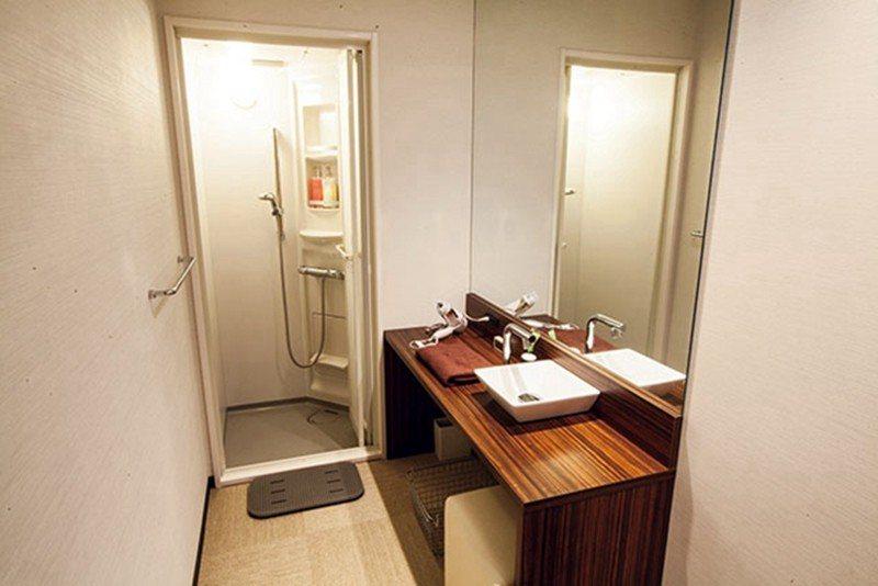 乾淨又不失設計感的淋浴空間,專為女性準備的用品也相當豐富。