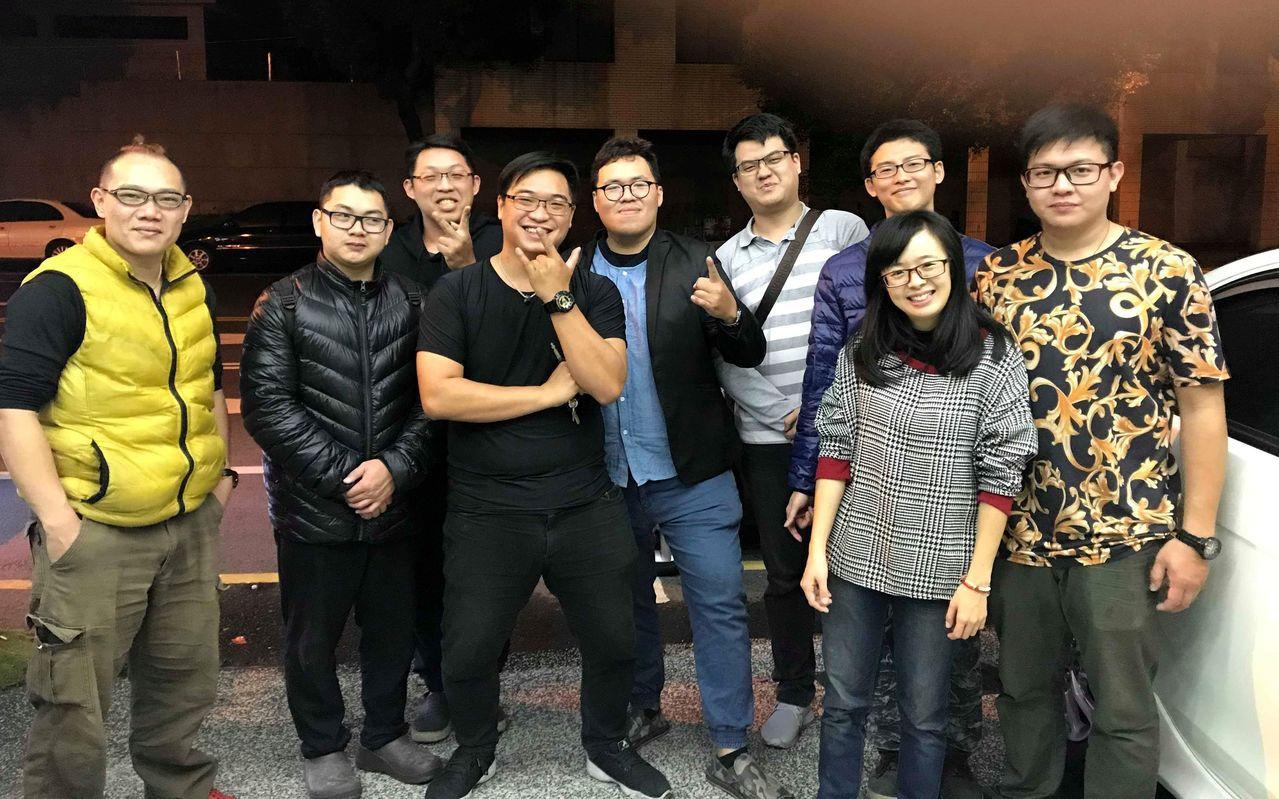 來自台南各行各業的熱血年輕人,自去年起默默的、不定期到高雄、台南育幼院、偏遠學校...