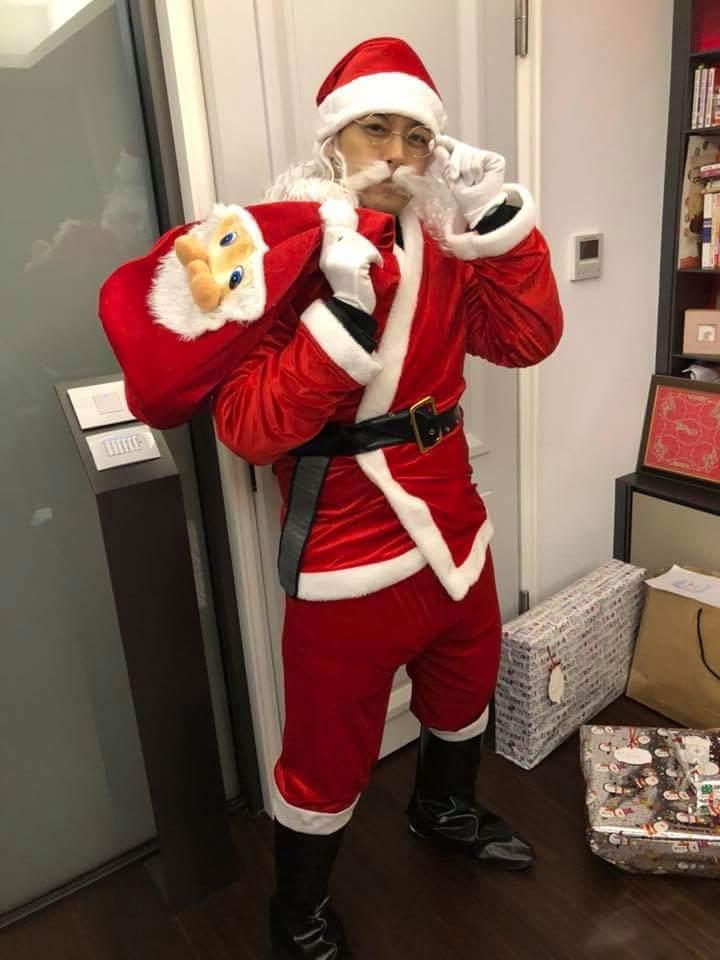 林志穎為兒扮耶誕老人。圖/摘自臉書