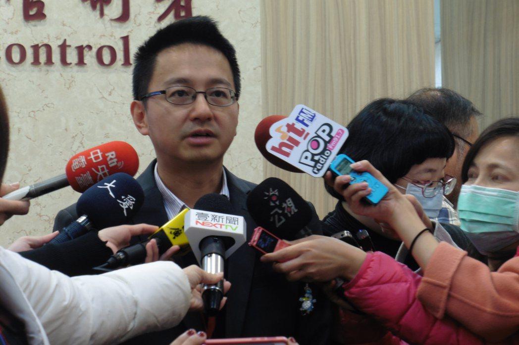 疾管署副署長羅一鈞說明國內流感疫情。記者黃安琪/攝影