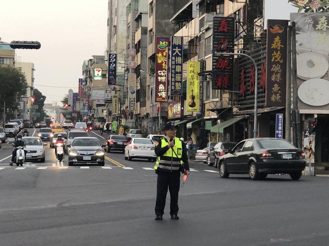 為迎接2018跨年三部曲,台南市警局交通大隊等已做好相關交通管制與疏導措施。記者...