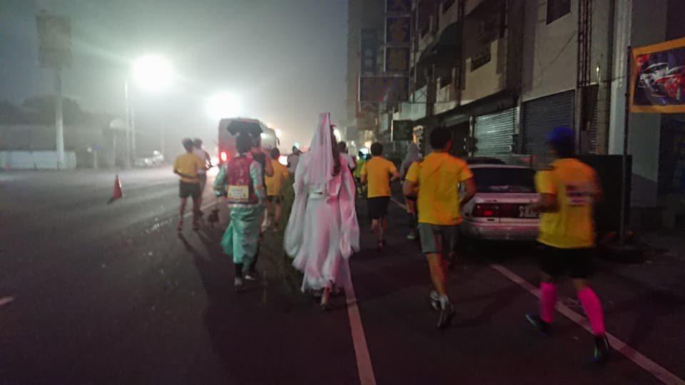 日前有跑友參加了北港馬拉松,僅管起跑時間是上午6 點,但中南部因空汙嚴重,一 片...