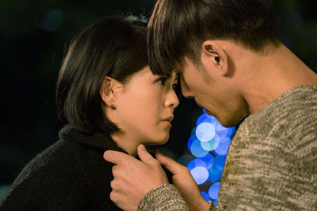 黃騰浩拍「實習醫師鬥格」浪漫吻戲,林柏妤害羞被電到了。圖/民視提供