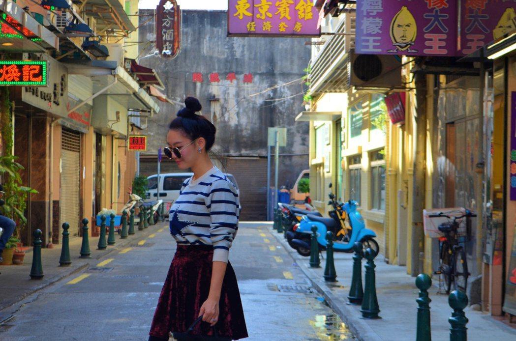 新華大旅店旁的巷子走到底就是清平戲院,也是拍起來相當有fu的景點。記者魏妤庭/攝...