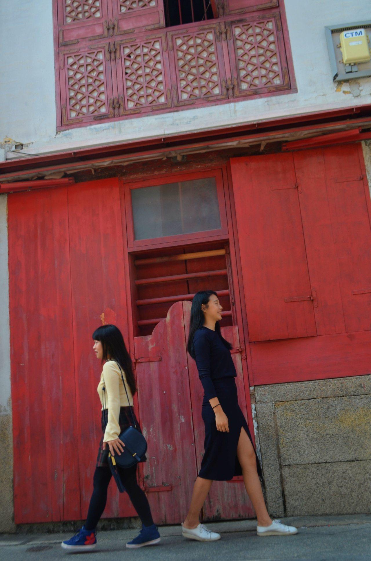 福隆新街紅色大門是必拍的點。記者魏妤庭/攝影