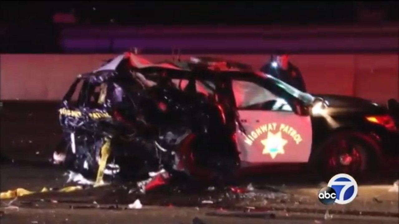 33歲的卡米萊利24日深夜坐在巡邏車內在880公路入口匝道旁遭撞致死。世界日報記...