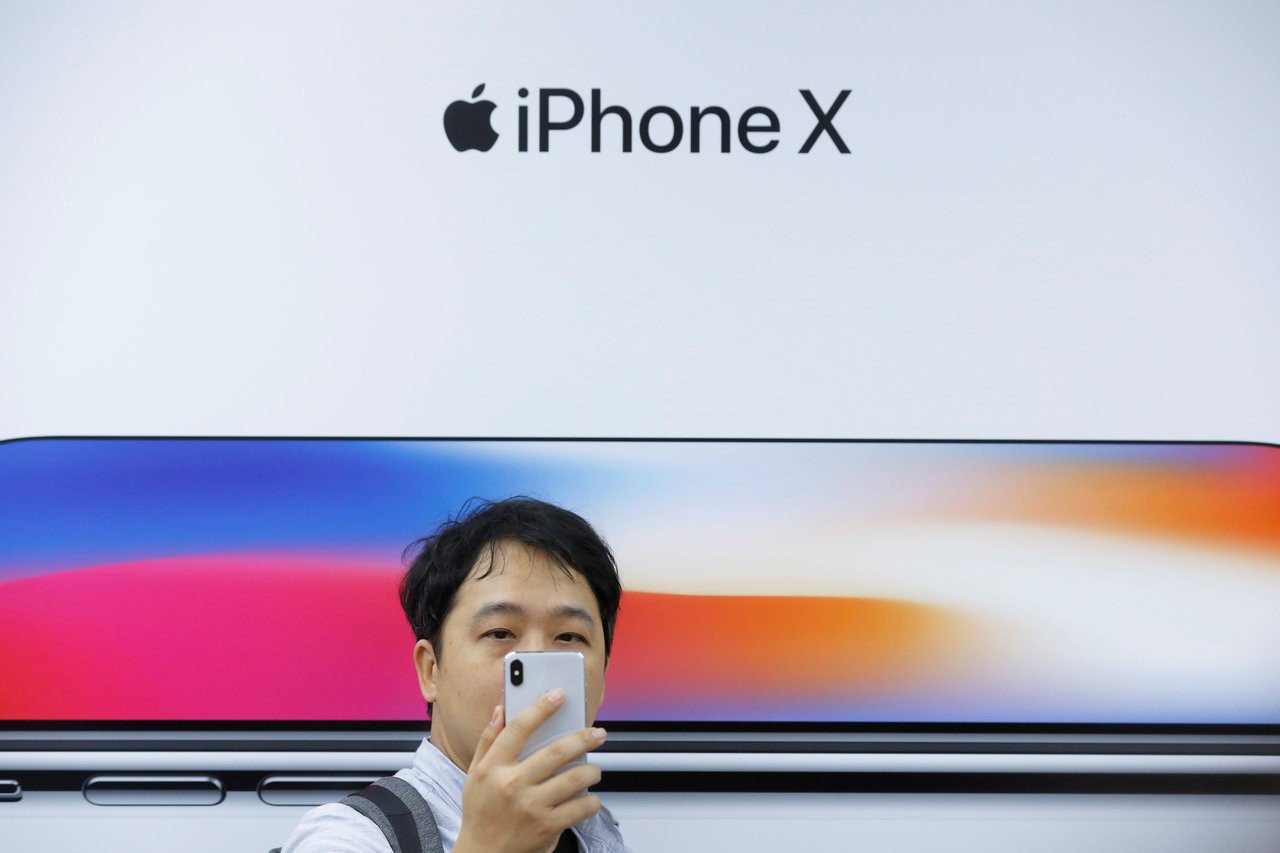 iPhone X銷售表現外界高度關注。路透