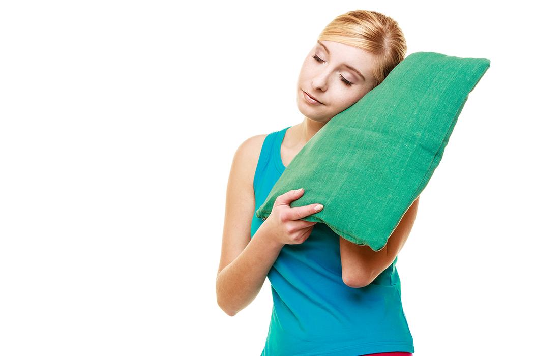 許多研究都發現睡眠時數少與肥胖有關,睡不夠還會提高想吃高熱量食物的欲望。 圖/i...