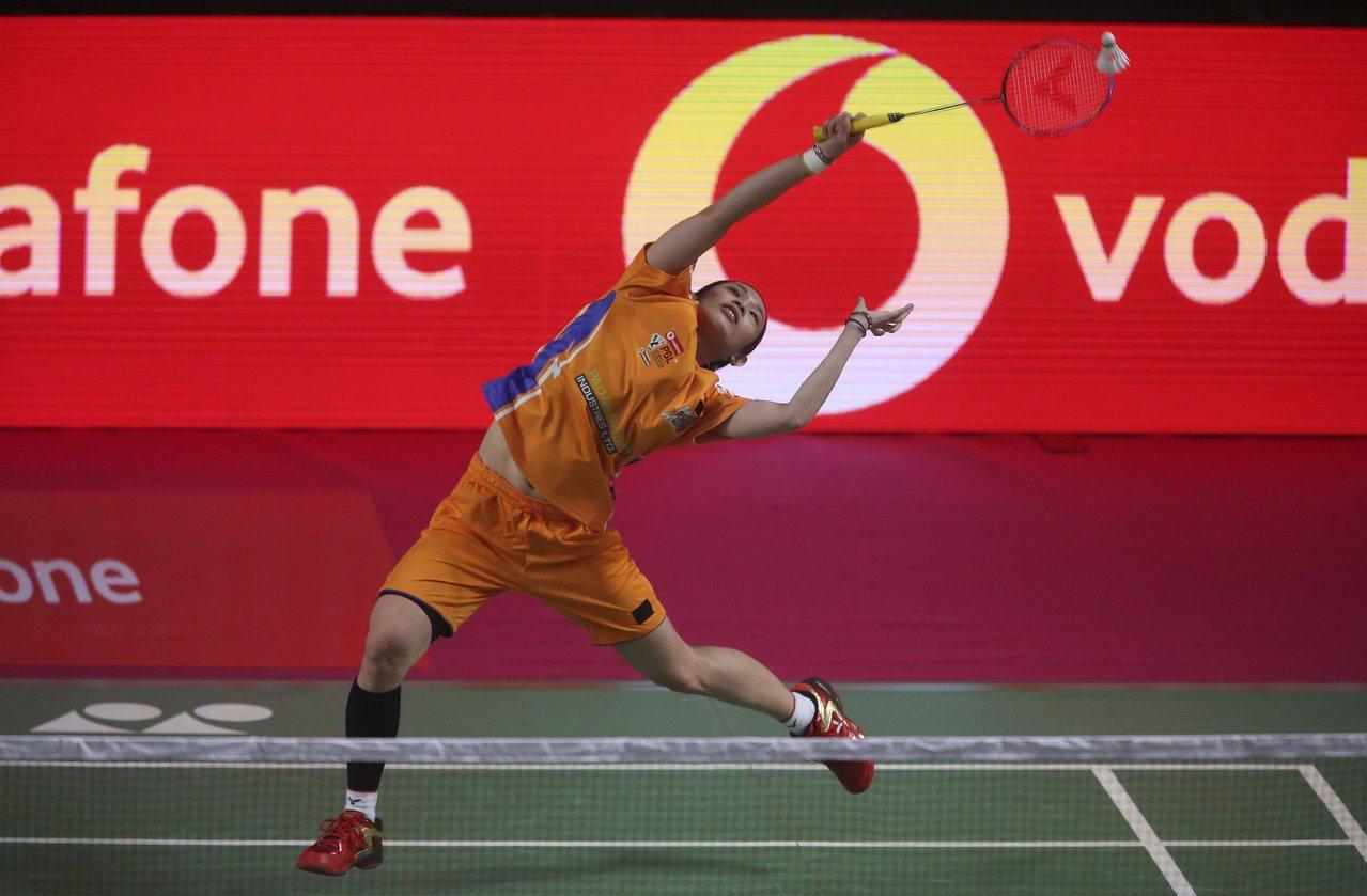 戴資穎參加印度羽球聯賽,比賽中發出一記時速高達304公里的殺球。 美聯社