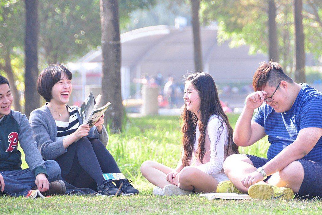 明道大學以學生為本,本著教育的愛與關懷讓學生樂在學習。 明道大學/提供。