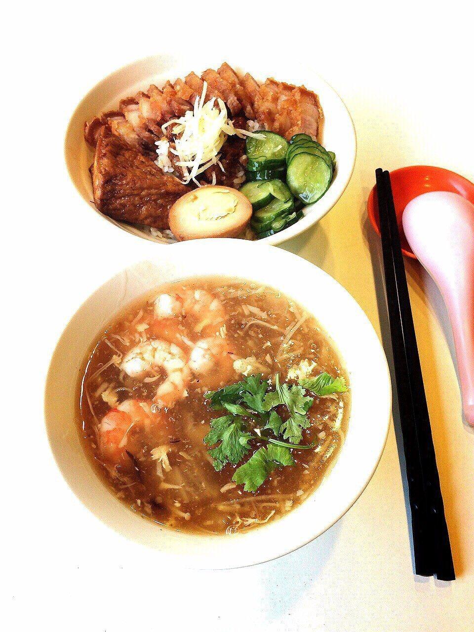 台中肉羹攤是銅板美食,因食材都很新鮮又霸氣,曾是人氣肉羹攤。 圖/陳家毅家人提供