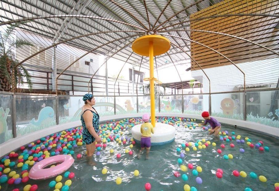 戶外兒童戲水區。(圖片提供/雄獅旅遊)