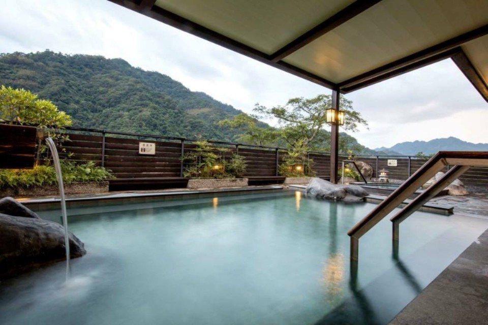 景色優美的室外溫泉風呂。(圖片提供/雄獅旅遊)