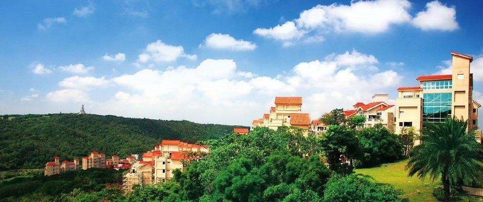 酒店建築以歐式山城為設計意象,洋溢悠閒放鬆氛圍。(圖片提供/雄獅旅遊)