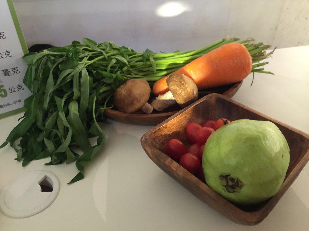 營養師建議,多吃抗氧化蔬果,清除體內空汙。記者黃安琪/攝影