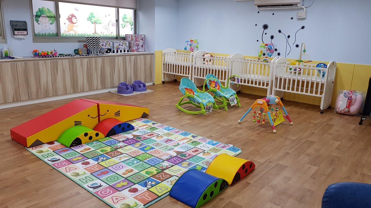 苗栗縣大千綜合醫院附設托嬰中心今天開幕,以收托員工子女為主,也開放18個名額給有...