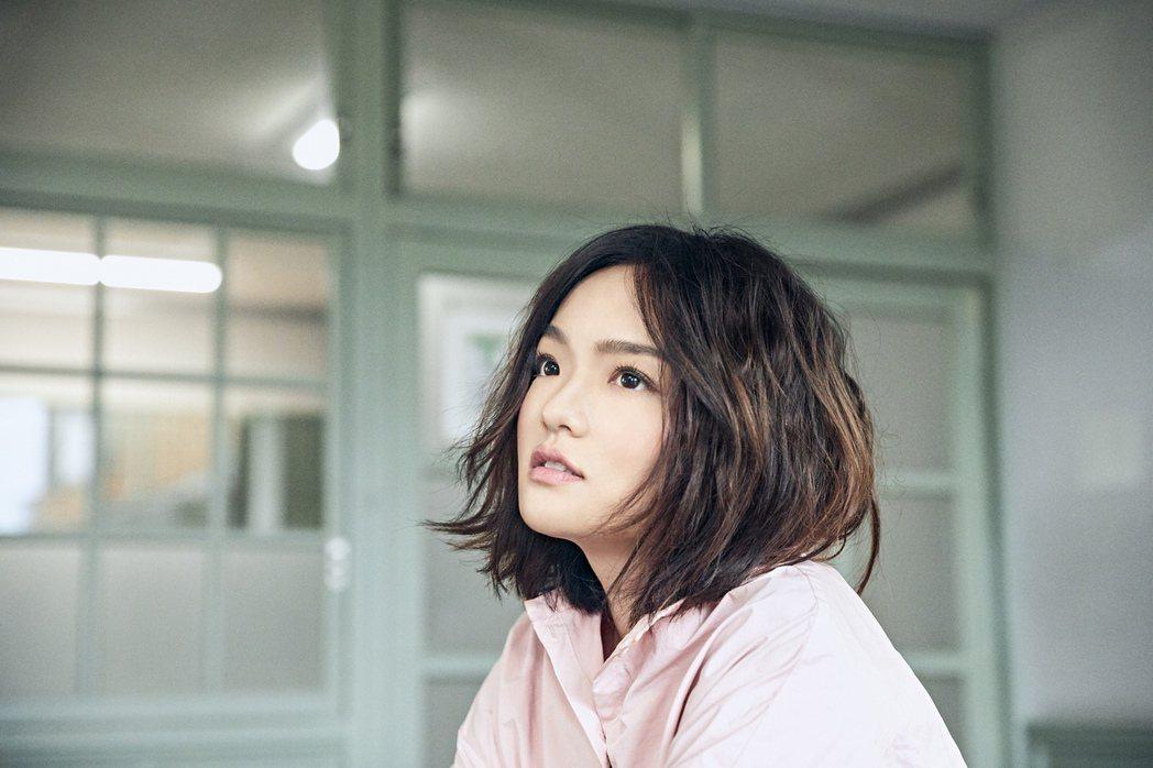 徐佳瑩「灰色」MV在日本長野縣拍攝。圖/亞神音樂提供
