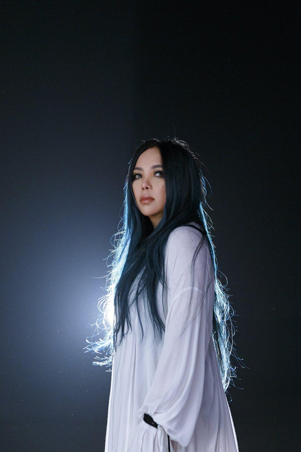 張惠妹新歌「身後」相當催淚。圖/EMI提供
