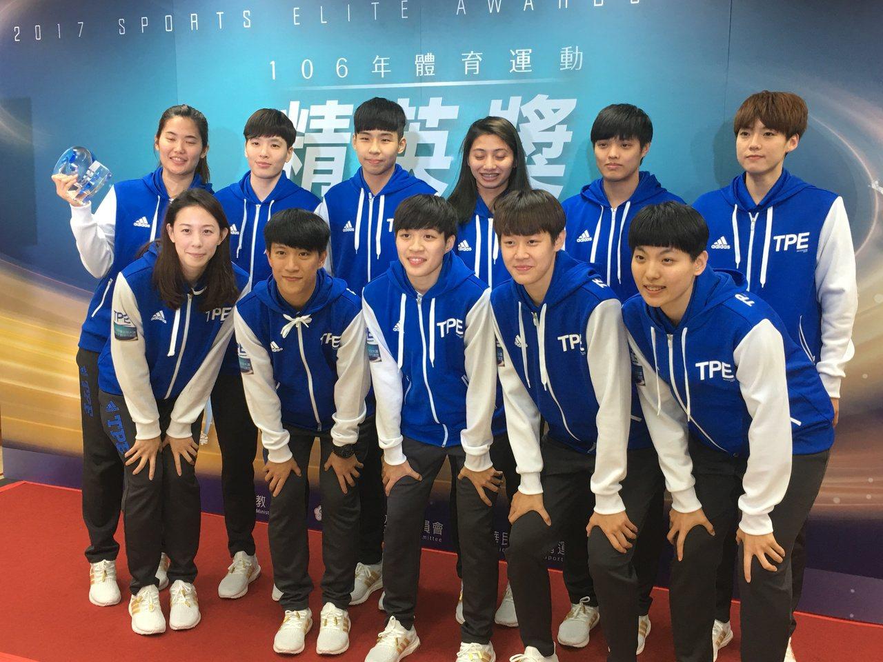 世大運中華女籃隊獲得最佳運動團隊獎。 記者曾思儒/攝影