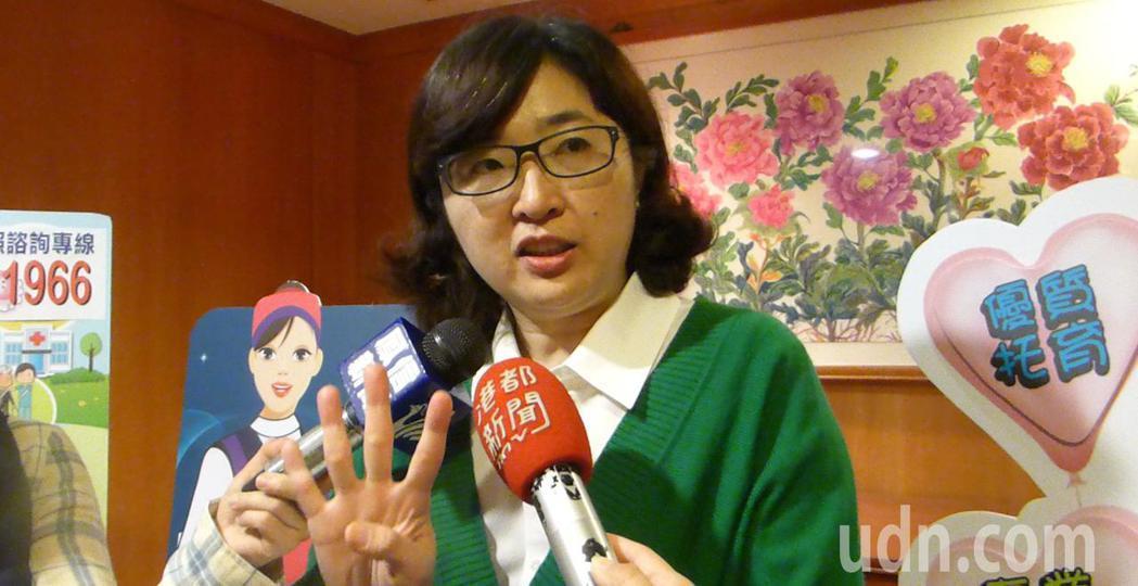 高市社會局長姚雨靜今天宣布明年元月底前,高市會設定點嬰幼兒臨托中心,以計時方式為...