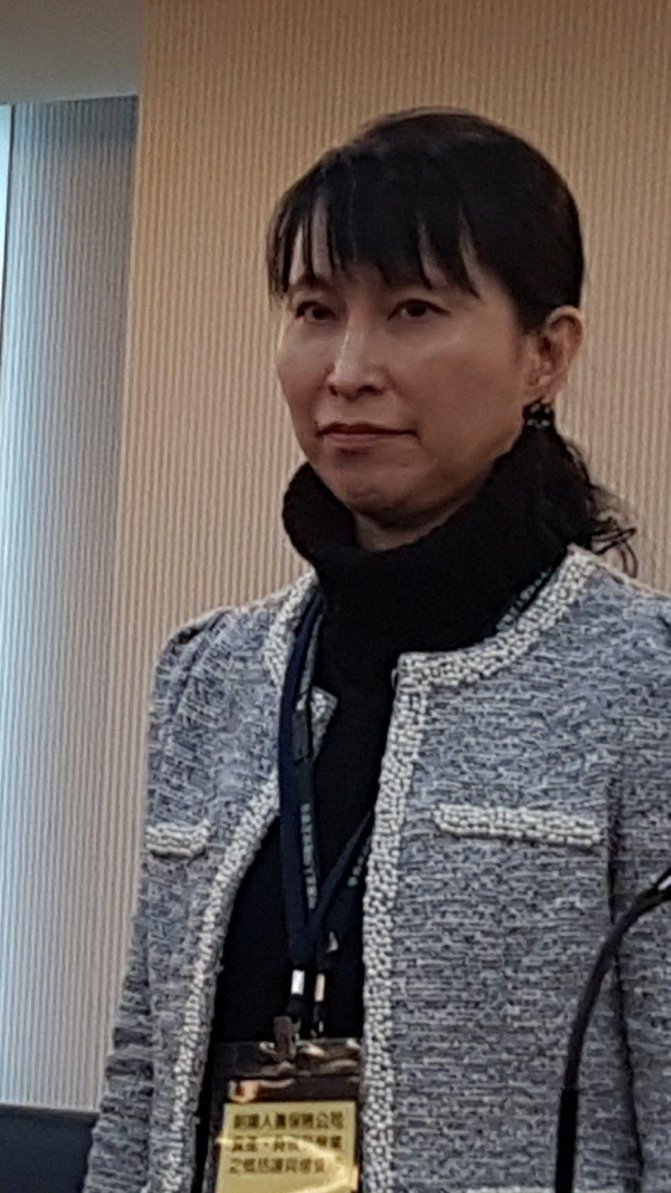 產險公會今天也通過新任祕書長人選,將由原任安定基金總經理的謝良瑾出任,她也是產險...