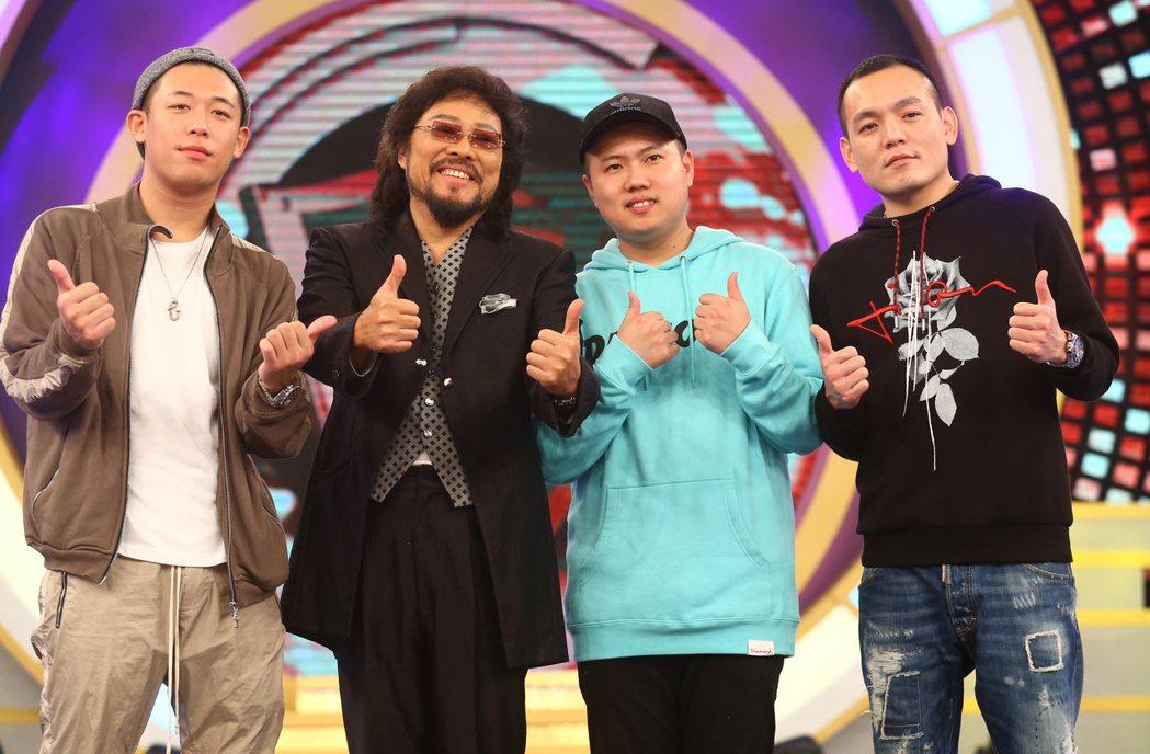 華視《綜藝菲常讚》錄影,張菲(左二)、玖壹壹。記者曾學仁/攝影