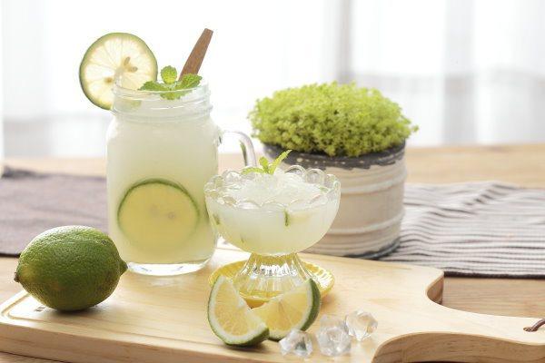 花蓮新城附近的佳興檸檬汁年銷6.1萬瓶,攻下ihergo愛合購熱銷榜第二名。圖/...
