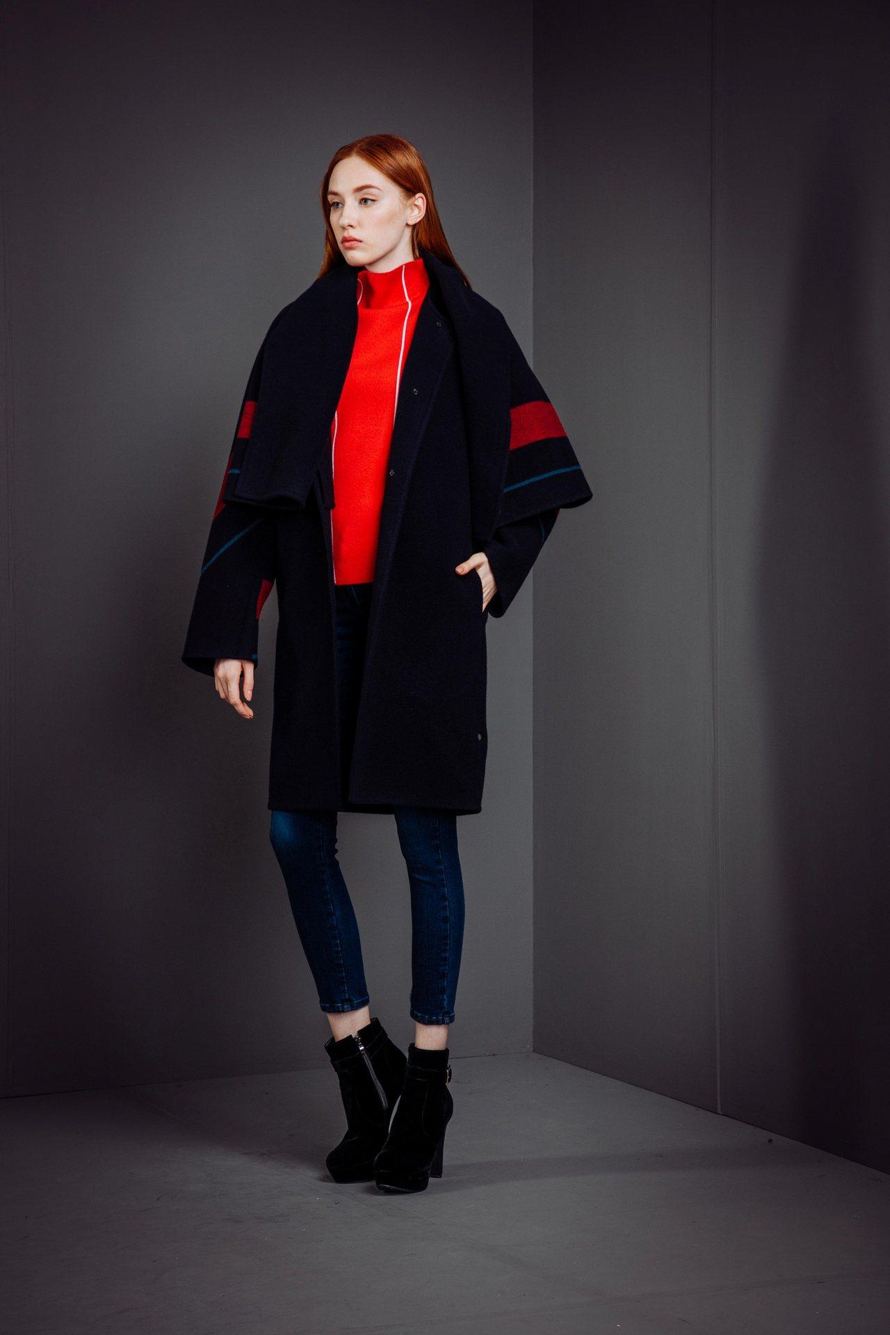 二件式手工雙面毛料大衣,售價29,800元。圖/KeyWear提供