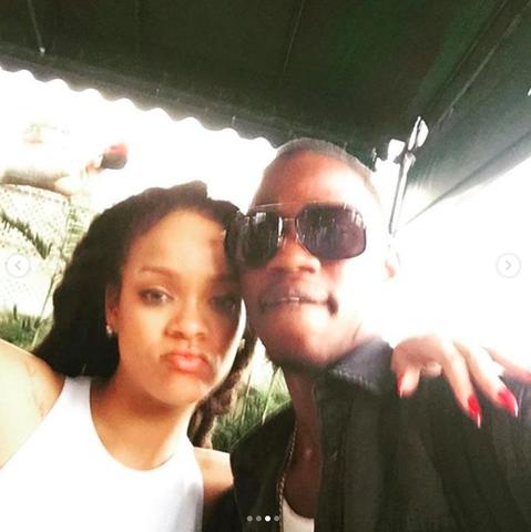 美國流行天后蕾哈娜的21歲表弟Tavon Kaiseen Alleyne驚傳在加勒比海島國巴貝多遭到槍殺身亡。蕾哈娜台北時間27日傍晚在IG貼出數張自己與表弟的合照,表示悼念之意,她並發文說「不能相...