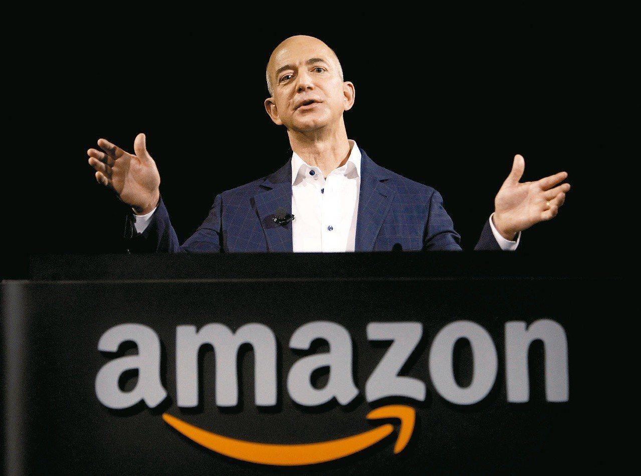 亞馬遜創辦人貝佐斯財產增加342億美元,居全球500大富豪之冠。 美聯社