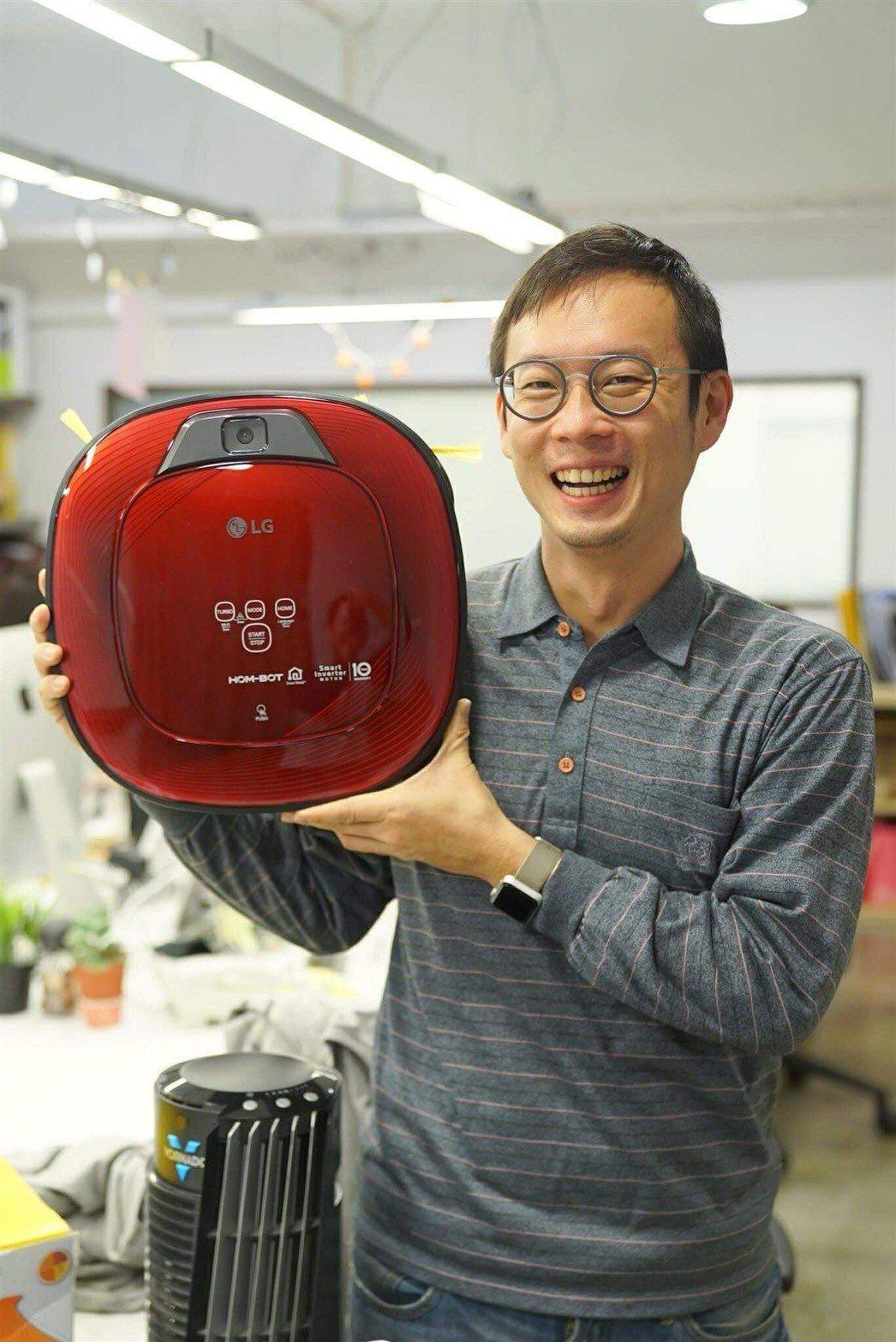 過年清鬆掃!有了LG小紅掃地機,地板天天都乾淨。486團購網/提供