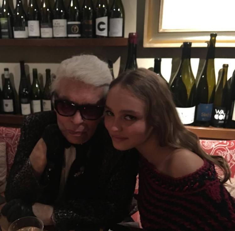 老佛爺卡爾拉格斐和莉莉蘿絲。圖/擷自instagram