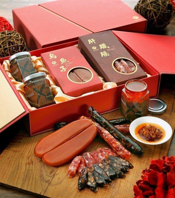 貴氣的「花團錦簇禮盒」,含內烏魚子、肝臘腸、手作X.O.醬。 天成/提供