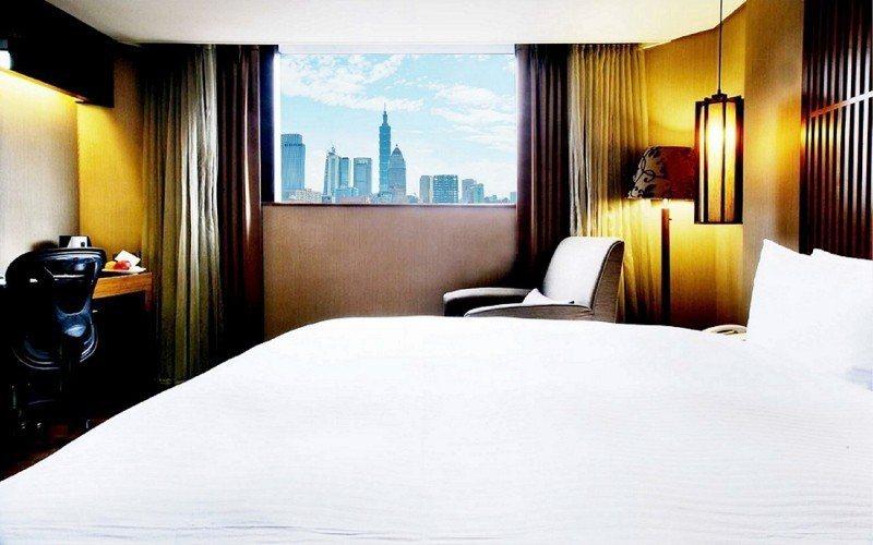 力麗觀光台北館,跨年景觀房的房客可直接眺望台北101煙火美景。 力麗觀光/提供