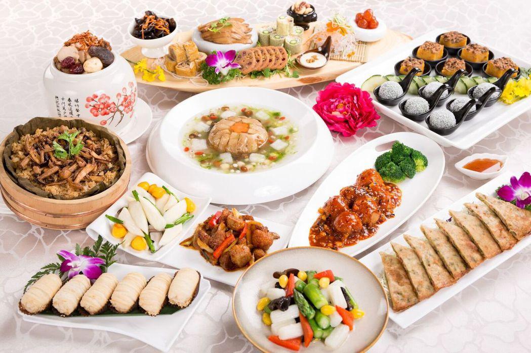 這次年菜可分為全桌外帶,5600元就享有10道餐色,澎湃健康滿滿上桌。 養心茶樓...