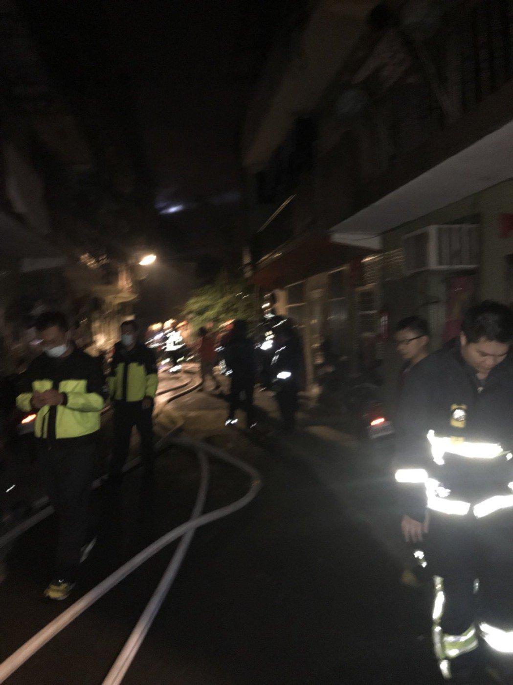 新北市瑞芳區透天厝發生火警。記者游明煌/攝影