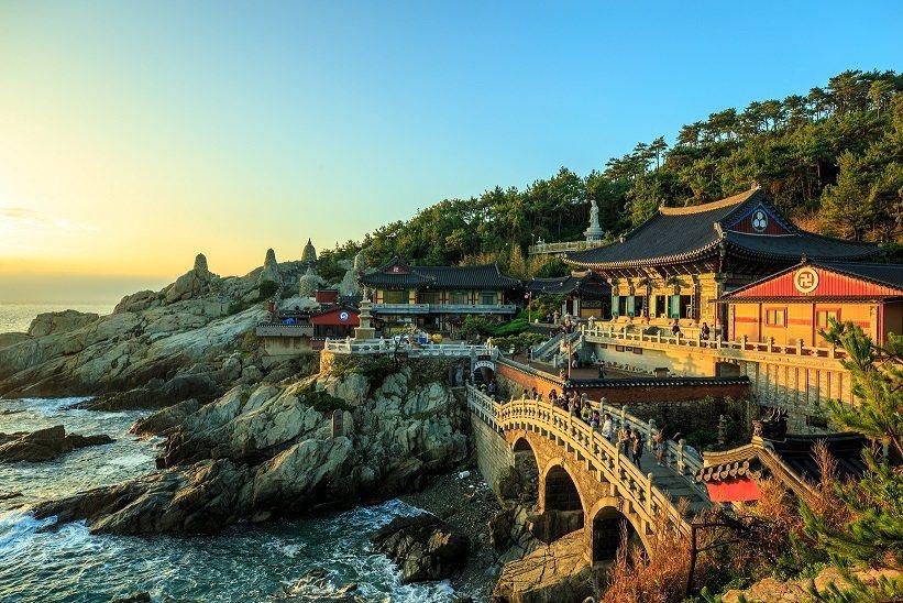 釜山是新興旅遊成是中台灣人搜尋最多的城市,釜山乘遊輪賞冬季美景,大啖新鮮海產一飽...