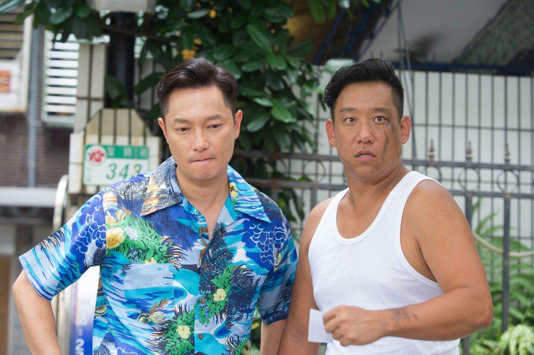 阿龐(右)與謝祖武。圖/緯來電影台提供