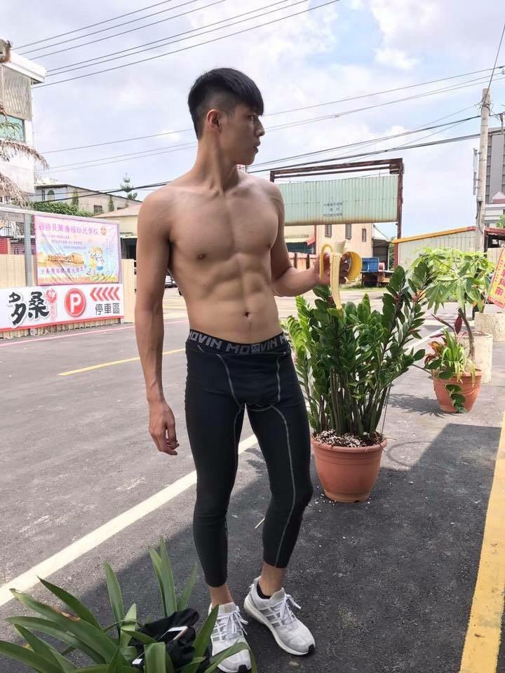年輕男星杜季翔號稱「國民校草」。圖/海王天璽提供