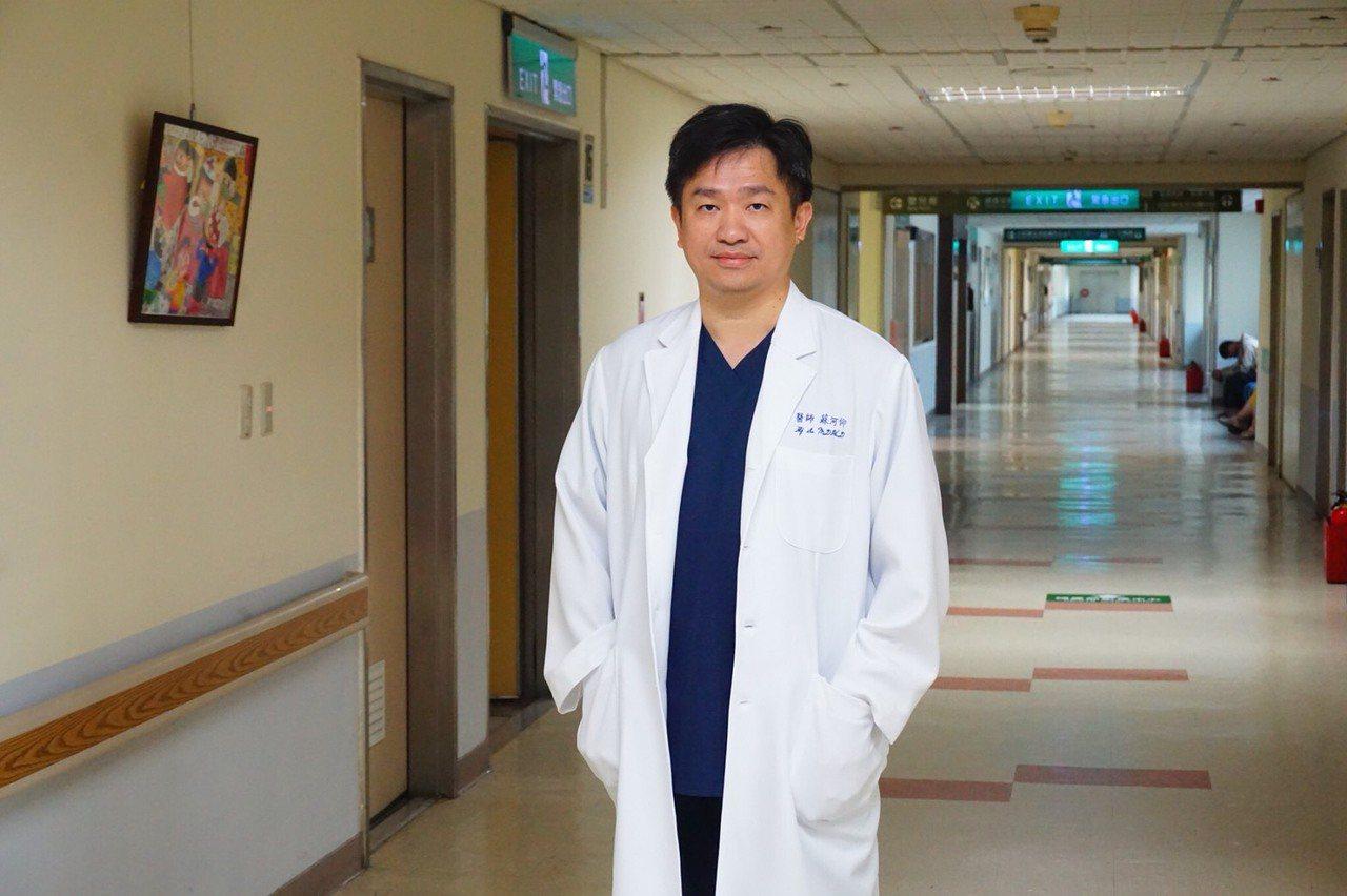 三總婦產部產科主任蘇河仰多年來投入產科,接生了上千名寶寶。圖/蘇河仰提供