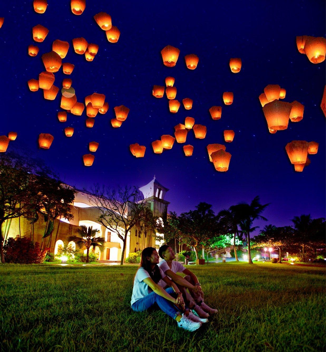 理想大地渡假飯店在跨年夜推出放天燈祈福活動,讓民眾和金雞年說再見。圖/理想大地度...
