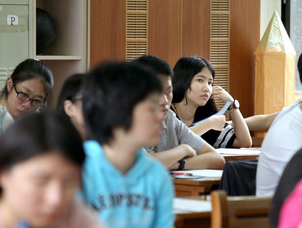 高中英語聽力出現雙峰化。 本報系資料照/記者林澔一攝影