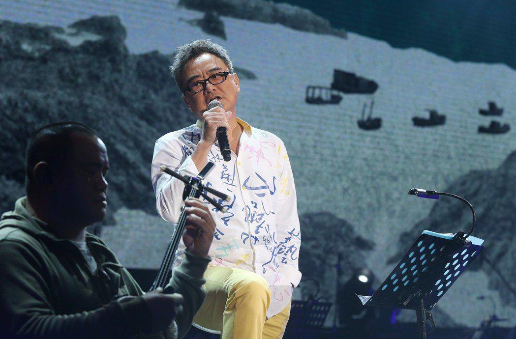 陳昇創紀錄連續24年舉辦跨年演唱會「說故事的自由人」彩排,他並透露新專輯主題和「...