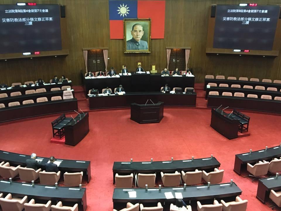 立法院示意圖。立法院今天三讀修正「客家基本法」,將客語列為「國家語言」。根據三讀...