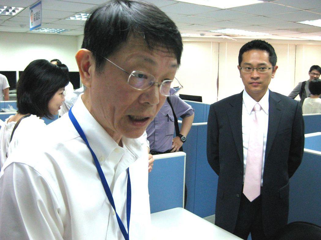 2010年,前台大海洋所教授莊文思(左)出任郝龍斌競選辦公室主任。 圖/聯合...