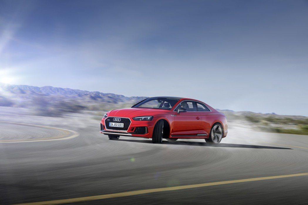 全新Audi RS 5 Coupé搭載新開發之2.9升V6 缸內直噴雙渦輪增壓引擎,可輸出450hp/600Nm 的強大動力,0~100km加速更僅需要3.9秒。 圖/奧迪提供