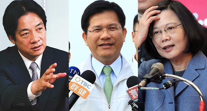 年度最讓人森七七的幹話王,總統蔡英文(右)以2349票榮獲本屆幹話王最高票,第二...