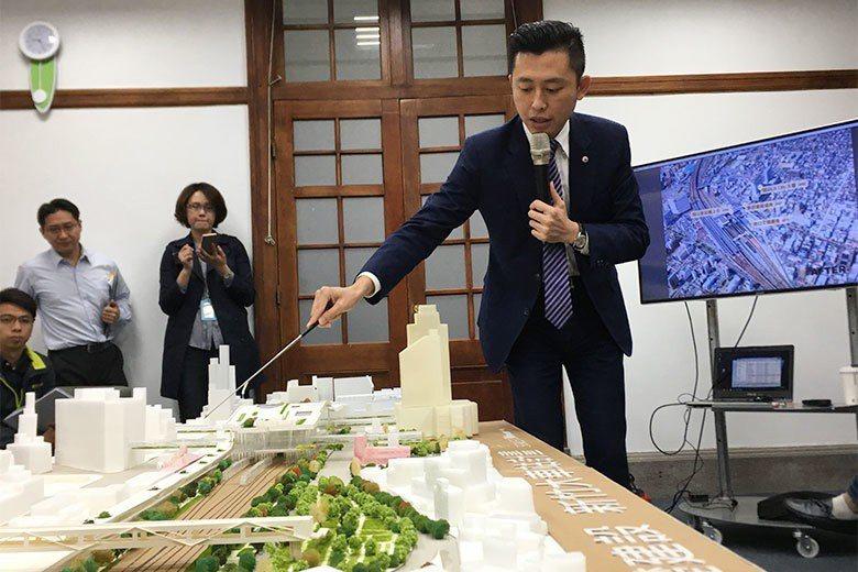 新竹市政府準備建置大新竹輕軌路網,市長林智堅曾率隊赴日本考察輕軌。 圖/聯合報系資料照