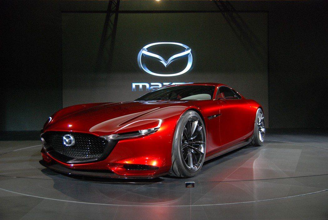 Mazda RX-Vision 十足展現魂動設計之美。 記者林鼎智/攝影